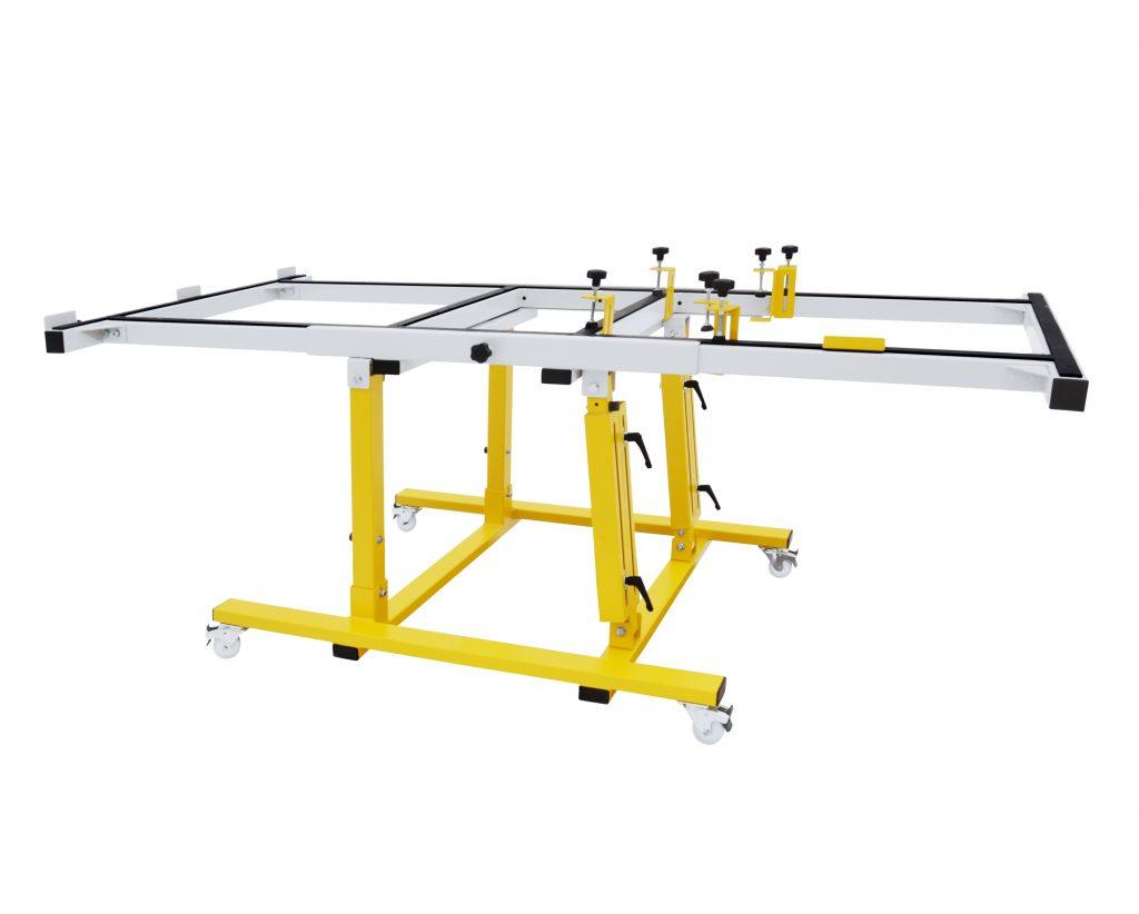 USTM_C90 – Uniwersalny stół monterski / wersja podstawowa z uchylną ramą w zakresie 0-90 stopni